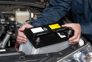 Remplacement de batterie de auto - Garage A. Lemieux Inc. Garage mécanique à Laval